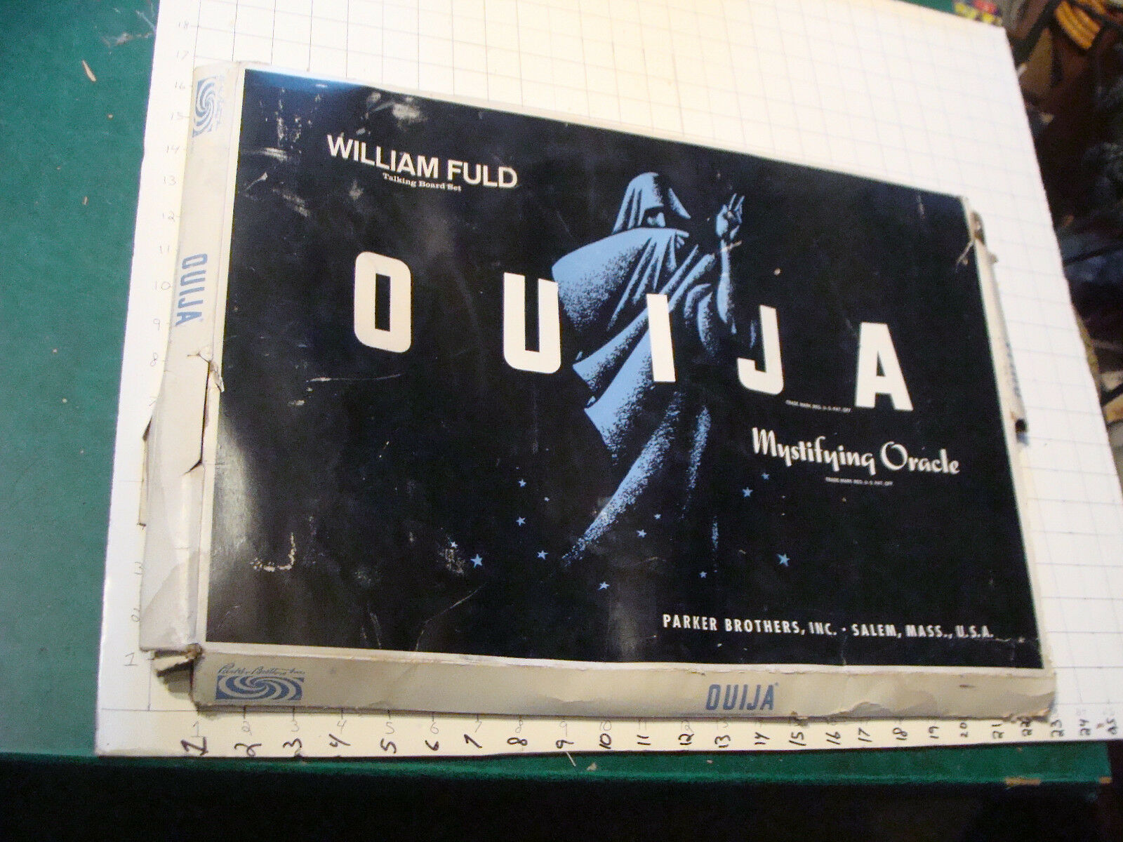 Vintage large OUIJA board in box, with planchette but no pointer, neat Fuld.