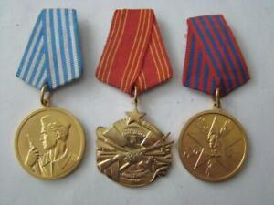 Jugoslawien Kommunistisches Konvolut mit 2 Medaillen + 1 Tapferkeitsorden