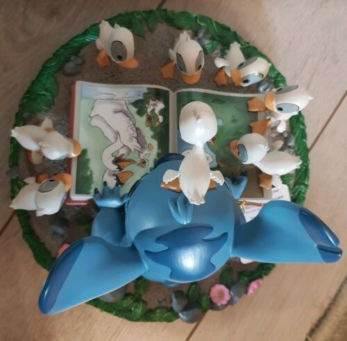 MED FIGURINE STITCH Disneyland Paris