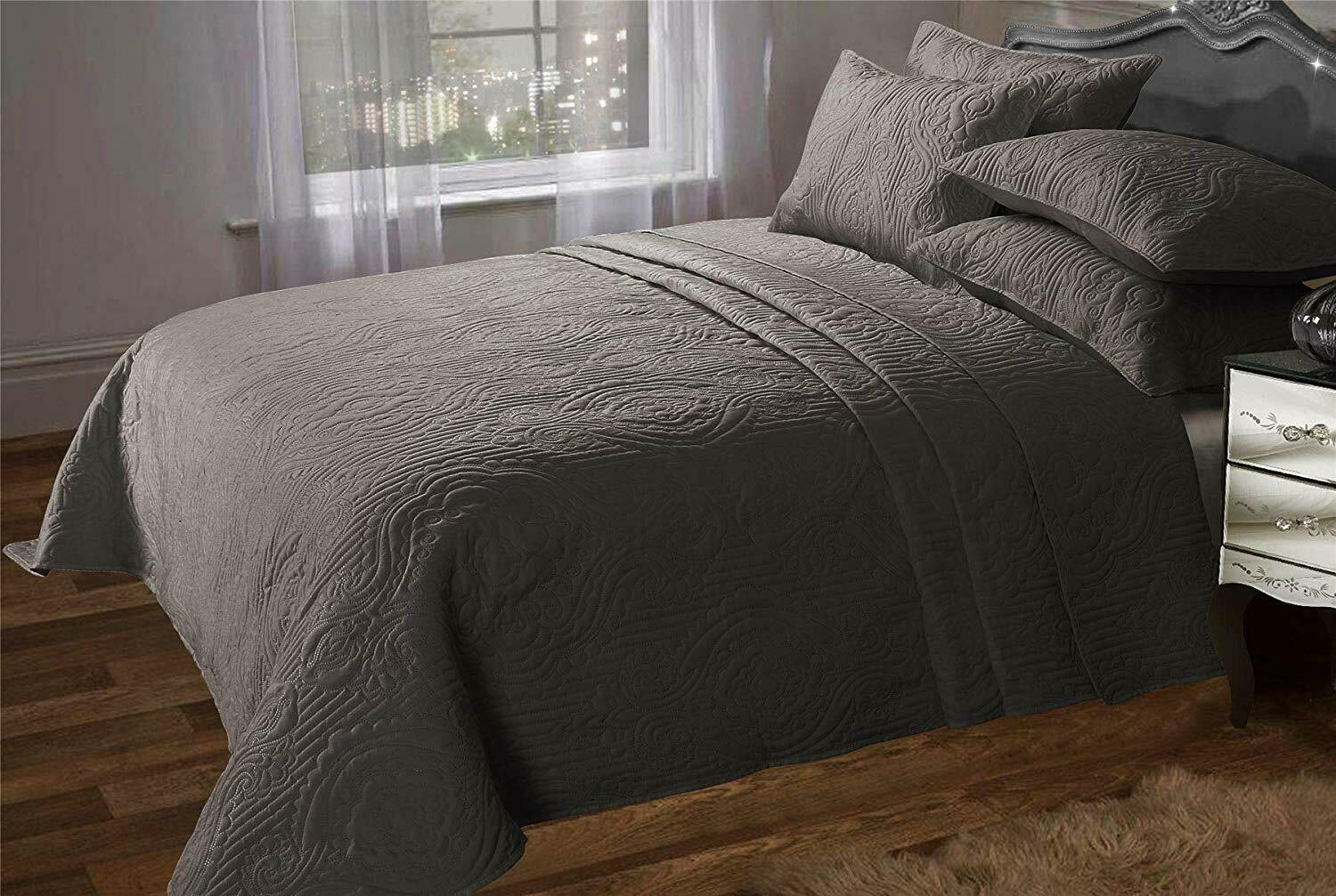Luxury Taupe King Size Bedspread Set Comforter With Two Pillow Shams 240x260cm