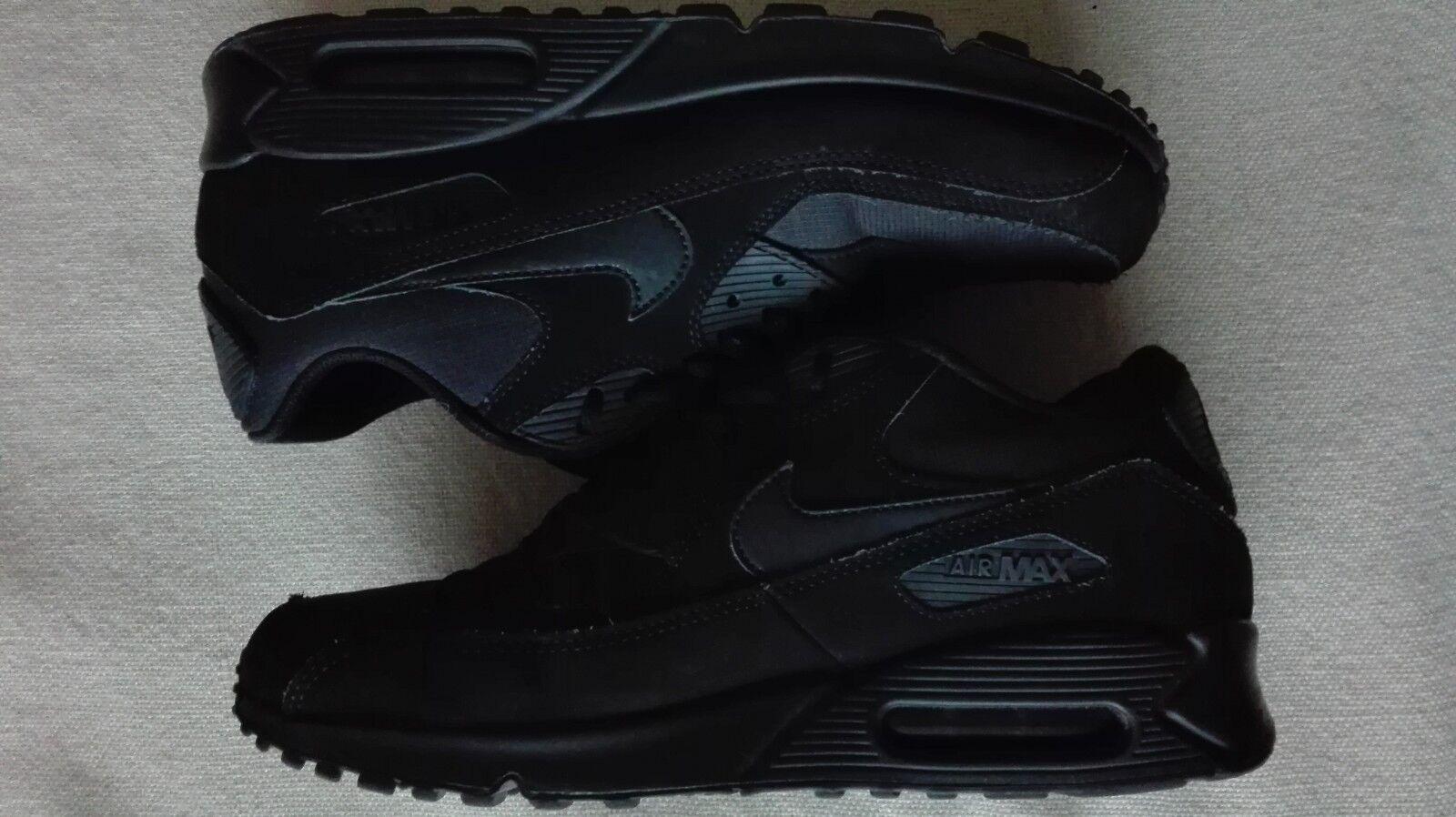 Nike Air Max triple black trainers - size 10 (VGC)