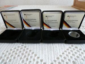 4 x Etui für 100 Euro Gold Goldmünze m. 4 Zertifikaten 2004  2007 - 2009 - 2011