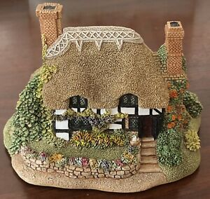 Lilliput Lane English Collection: South East Marigold Meadow Cottage 1993