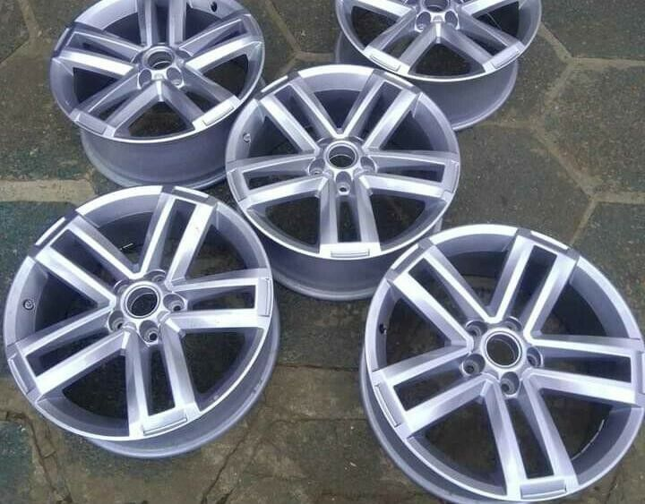 "19"" VW Amarok mags set for R15500."