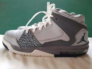 57db2d3dd533 Nike Air Jordan Flight 599606-010 Size 6.5Y Youth Wolf Gray White ...