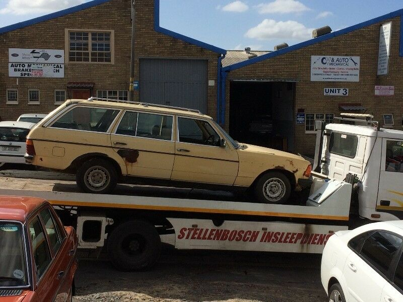 BENZO PARTS NOW STRIPPING: 1984 MERCEDES-BENZ 230TE AUTO