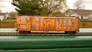 HO-Scale-PACIFIC-FRUIT-EXPRESS-Reefer-301527-CUSTOM-WEATHERED-Athearn