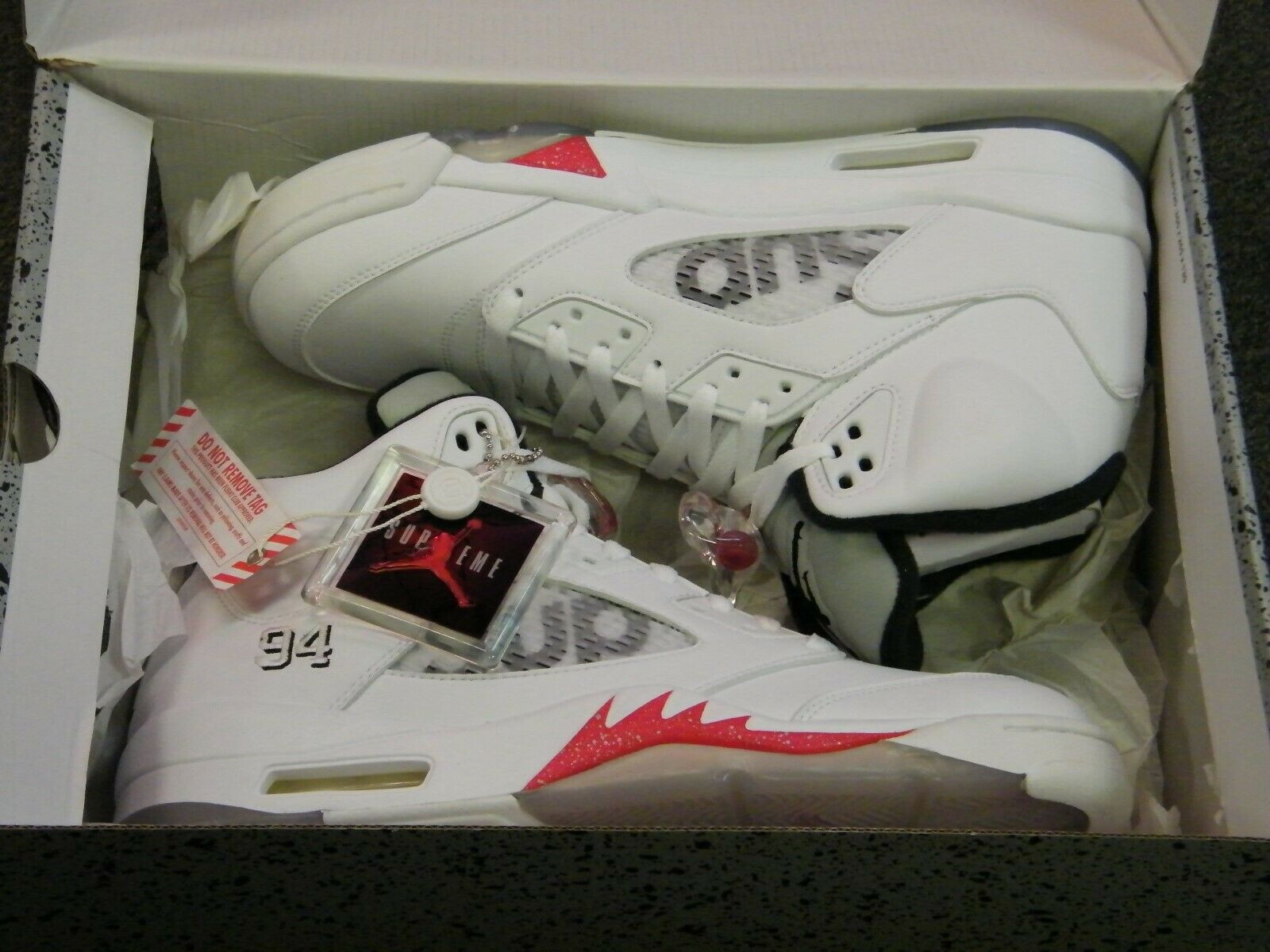New DS Supreme x Air Jordan Retro V 5 White Red With Key Chain Size 10.5