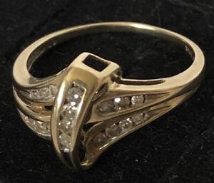 Vintage 10K Solid Gold Diamond Crossover Ring 2.5gm Sz 7.5 VERY ELEGANT!