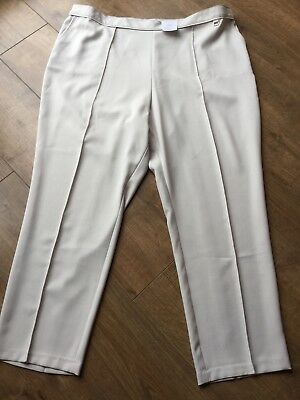 BNWT Ladies M/&S Collection Mid Rise Wide Trousers RRP £35 Size 10 Short