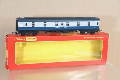 1 SLEEPING CAR 2510 R339 TRIANG OO GAUGE BR Mk