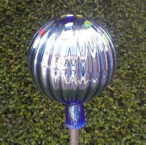 Gartendeko Rosenkugel Bunt  19 cm Glaskugel Silber-Blau Gartenkugel