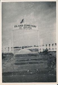 1945-WWII-GI-039-s-Okinawa-Photo-Island-Cemetery-Ie-Shima