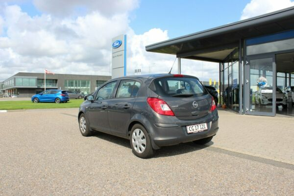 Opel Corsa 1,2 16V Enjoy - billede 2