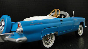 Pedal-Car-9-Inches-in-Length-1956-Ford-Thunderbird-Vintage-Metal-Collector-1955