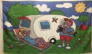 Fahne-Flaggen-Camping-Wohnwagen-150x90cm-Urlauber-mit-Kamera-Wohnmobil