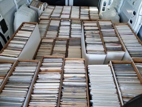 All DIFFERENT 30 Comic Book HUGE lot All Marvel /& DC Comics FREE Shipping!