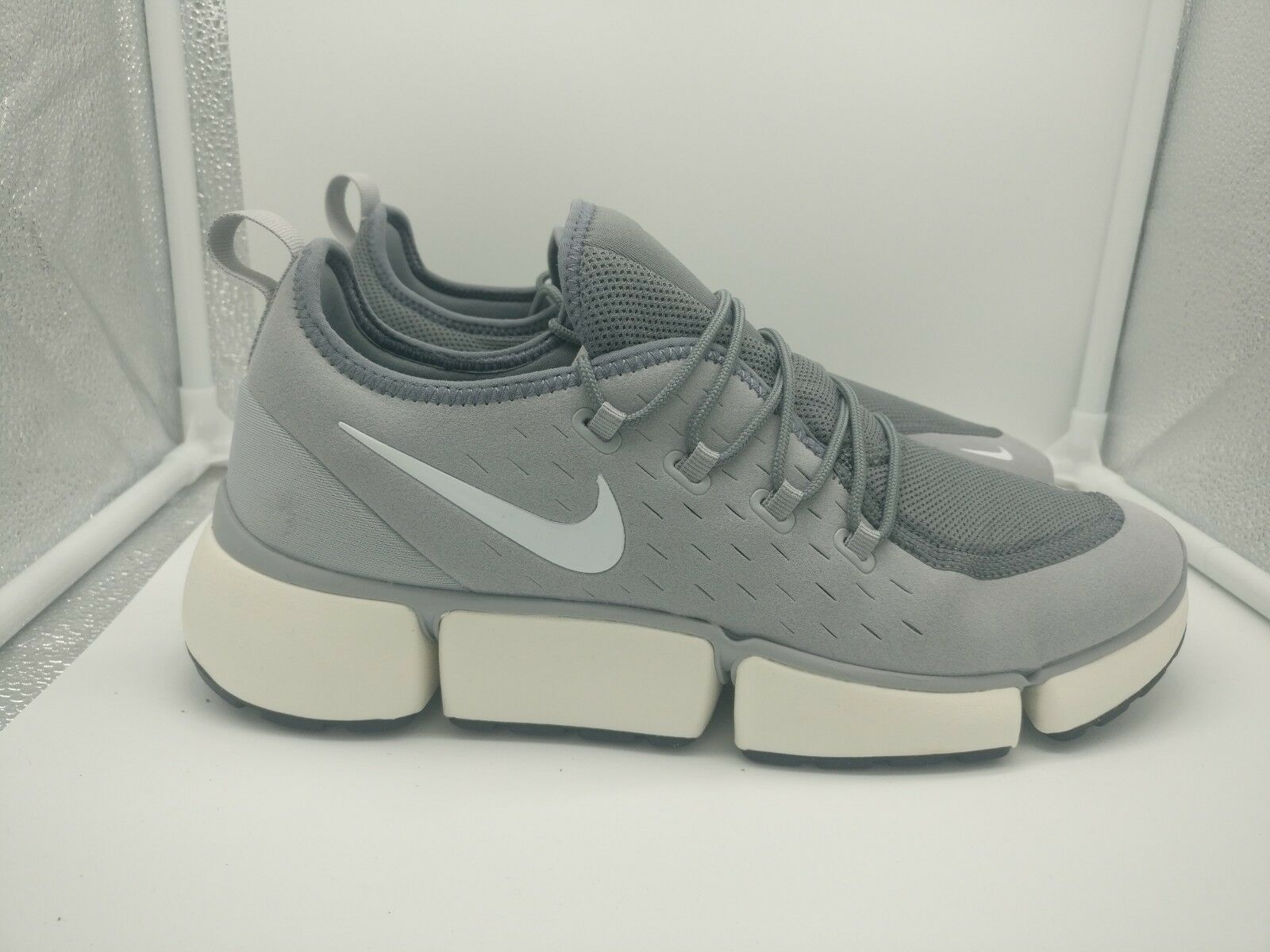 Nike Pocket Fly DM UK 8.5 Wolf Grey White Cool Grey Sail AJ9520-005