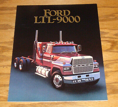 1984 Ford CL-9000 CLT-9000 Trucks Dealer Sales Brochure