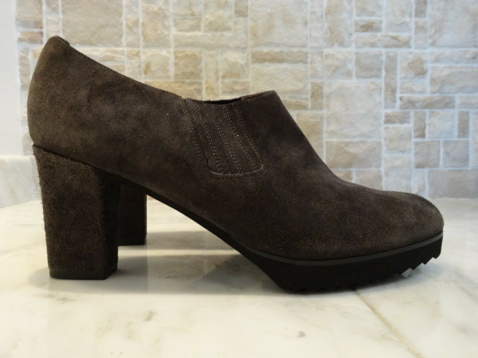 Anyi Lu 'Natalie' Suede Ankle Booties Gray US-10M EU-40M MSRP $425