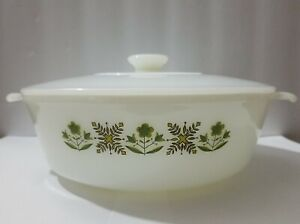 Vintage Fire King glass Meadow Green 1 1/2 qt casserole dish with lid #437