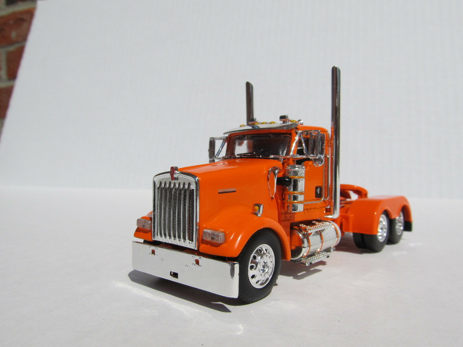 DCP 1 64 SCALE W-900 KENWORTH DAY CAB Orange - TRACTOR ONLY