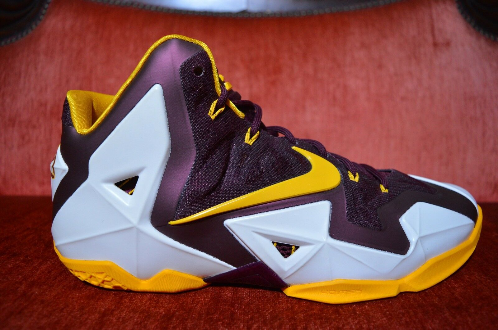 NIKE AIR MAX LEBRON 11 XI CTK CHRIST THE KING PROMO SAMPLE Maroon YELLOW Size 12