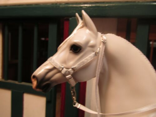 Jaapi Grey /& White Chevron halter w//lead fit Breyer traditional model horses