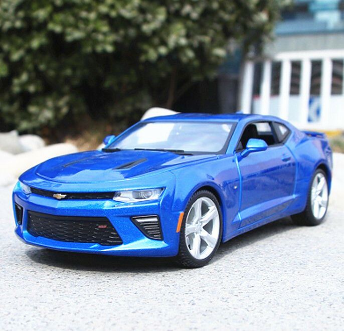 Maisto 1 18 2016 Chevrolet Camaro SS diecast model car met blu new