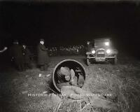 Vintage Mob Hit Photo Mobster Dead Body Stuffed In Drain Pipe Crime Scene 20722