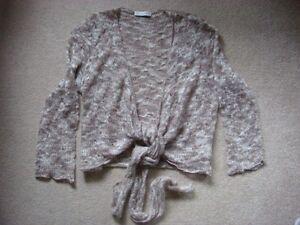 039-Portmans-039-light-brown-cream-lacy-knit-tie-front-top-size-M