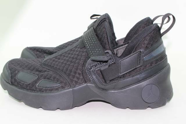 1467efd08ff8de Mens Air Jordan Trunner LX Triple Black 897992-020 US 9 for sale online