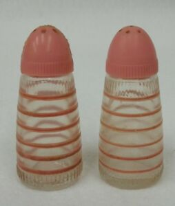 Vintage-Pink-Striped-Glass-Salt-and-Pepper-Shakers-Retro-1950-039-s-Kitchen
