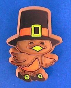 Hallmark-PIN-Thanksgiving-Vintage-BIRD-PILGRIM-Brown-Holiday-Brooch
