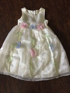 Flower Girl Or Easter Dress Size 4t Exquisite