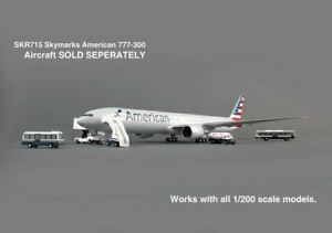 G2APS450 Gemini 200 Airport Service Vehicles Model Airplane