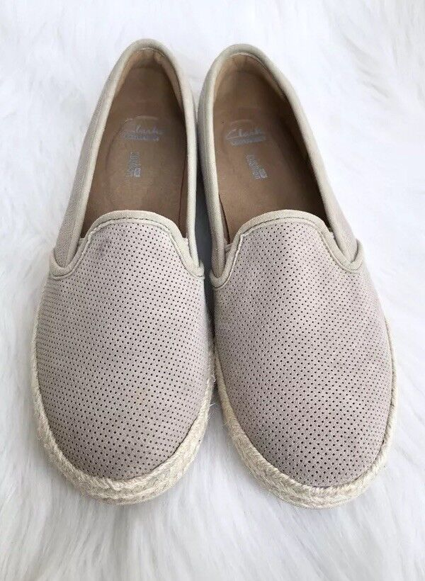 Women's Clarks 'Azella Theoni' Taupe Sand Suede Slip-On Loafers Sz 9.5M