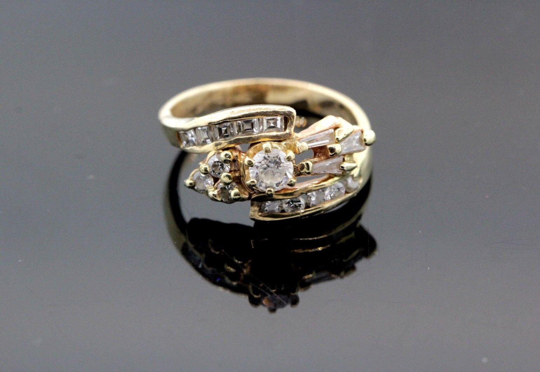 14k Yellow gold & Diamond Engagement Ring 0.75 TCW G SI1 3.9g Size 5 1 2