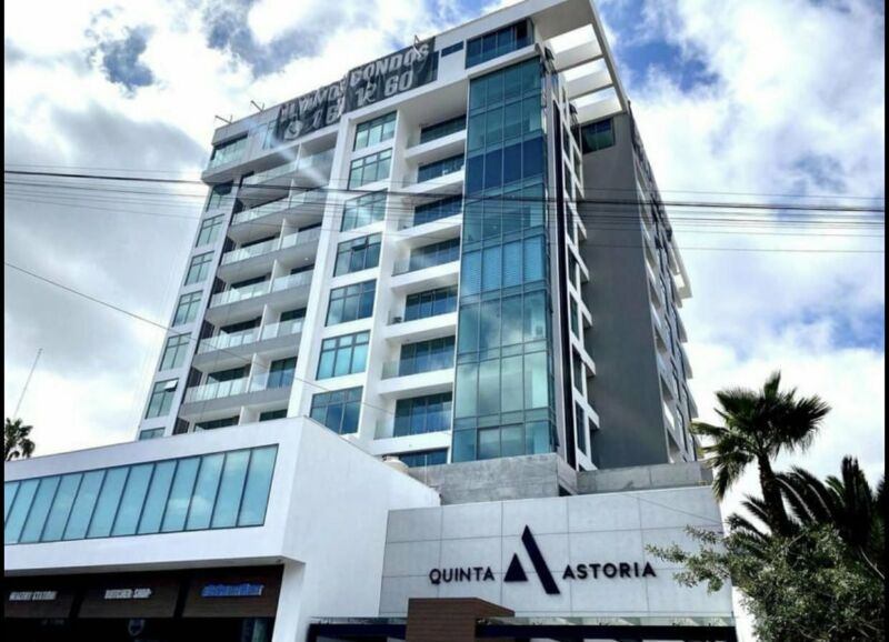 RENTA departamento nuevo de lujo en ZONA DORADA