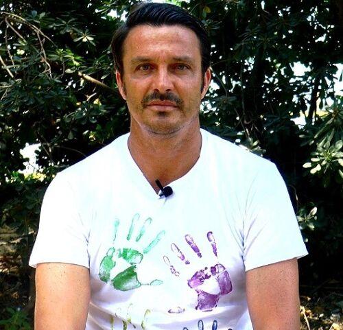maglia T-SHIRT con impronte mani campione del Mondo MASSIMO ODDO
