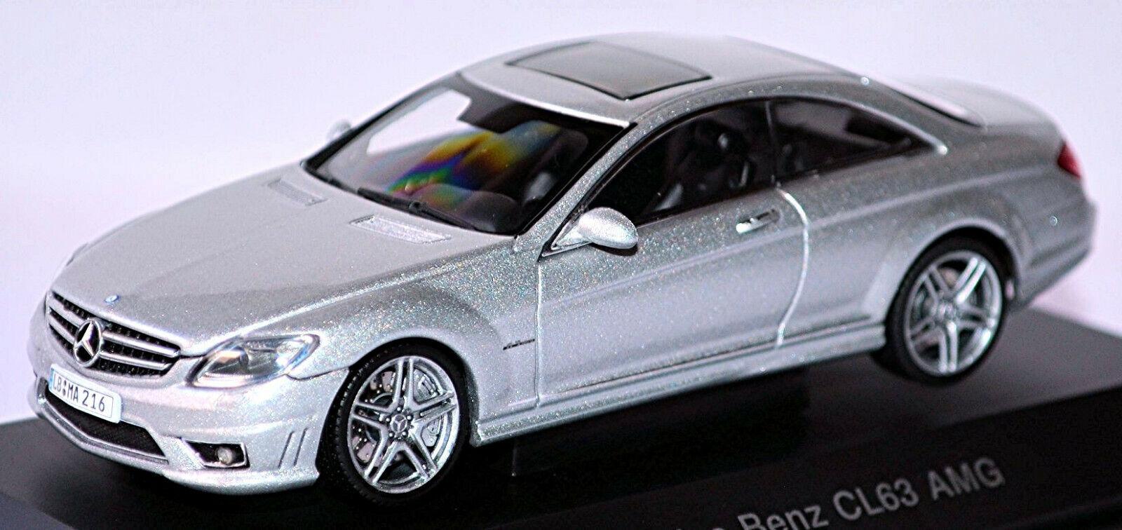 Mercedes Benz CL 63 AMG C216 Coupé 2006-10 Plata Metal 1:43 Autoart
