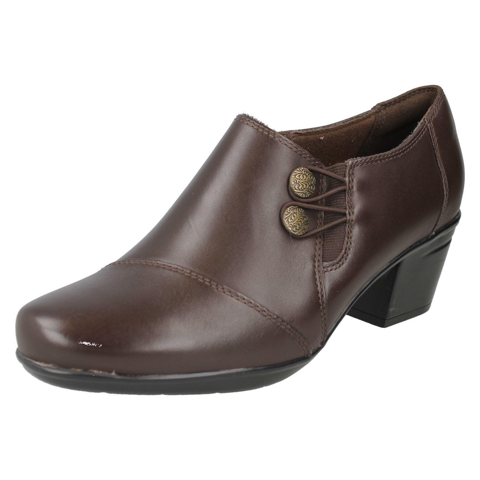 00406e19 Clarks emslie Warren Cuero Marrón Corte Ancho E Pantalones Zapato ...