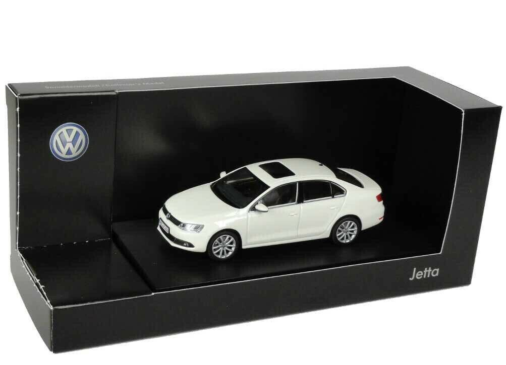 RARE VW JETTA GT 5C6 VI CANDY WHITE 2011 SAGITAR 1 43 MINICHAMPS (DEALER MODEL)