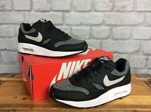 Détails sur Nike UK 4 EU 35.5 Air max 1 noir grande Gris Tissé Baskets Enfants Femmes Lg afficher le titre d'origine