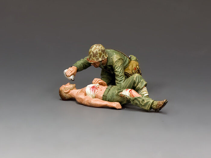 King and Country USMC044 Navy Corpsman & Wounded Marine 1 30 Scale Toy Soldier