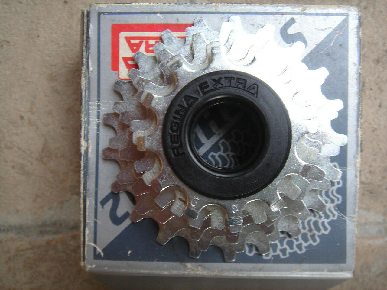 NIB  Regina Extra Synchro92 cassette 7 speed new in original box L'Eroica
