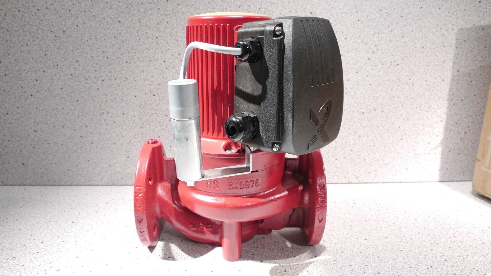 Neue Grundfos Pumpe UPS 40-30 F B 250 PN 6/10 96401876 Bronze OVP NEU
