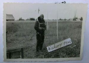 13-Foto-mit-Pilot-auf-dem-Feldflugplatz-in-Beresina-Weissrussland-54