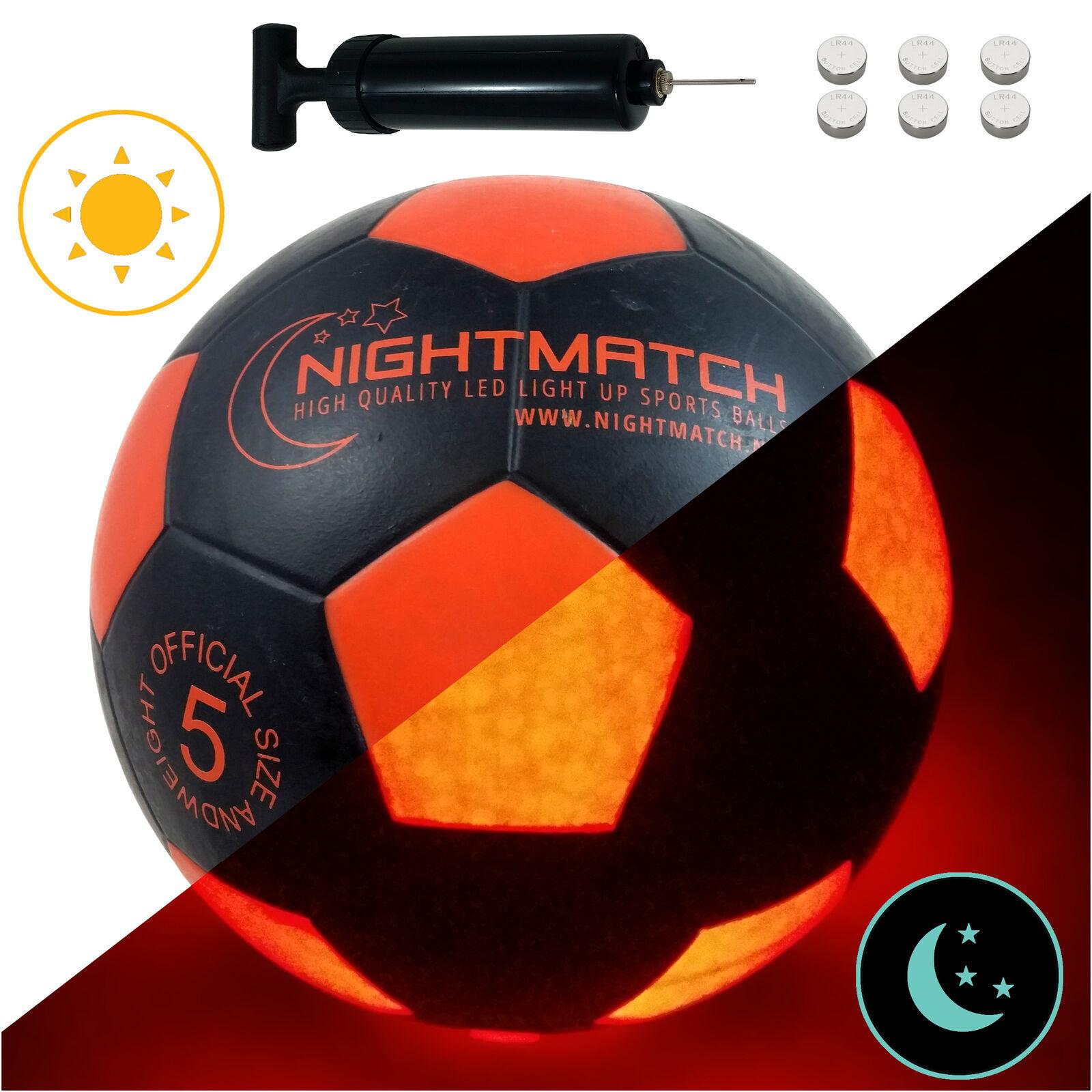 LEUCHTFUSSBALL mit Pumpe und Batterien - Größe 5 - sw or - von NIGHTMATCH  | Trendy