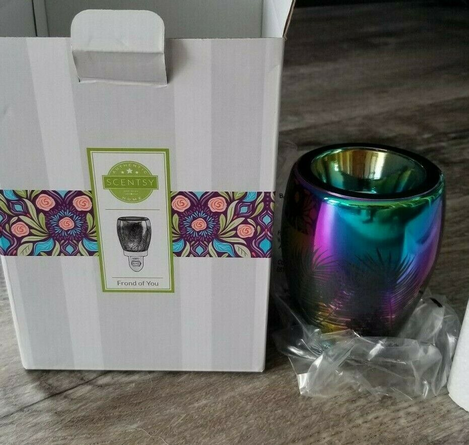 """New Scentsy LIMITED EDITION /""""Frond of You/"""" Warmer NIB"""
